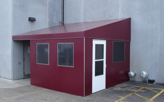 Outside Enclosures : MediaAdvantage.com